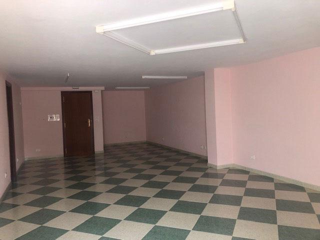 Entreplanta en edificio Miño - Meira